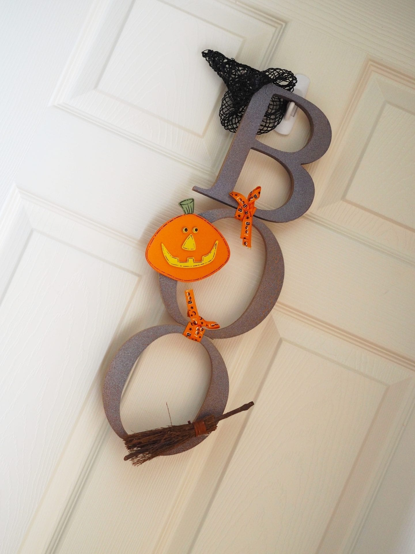 DIY Halloween Boo Wall Hanging | Easy Halloween Craft
