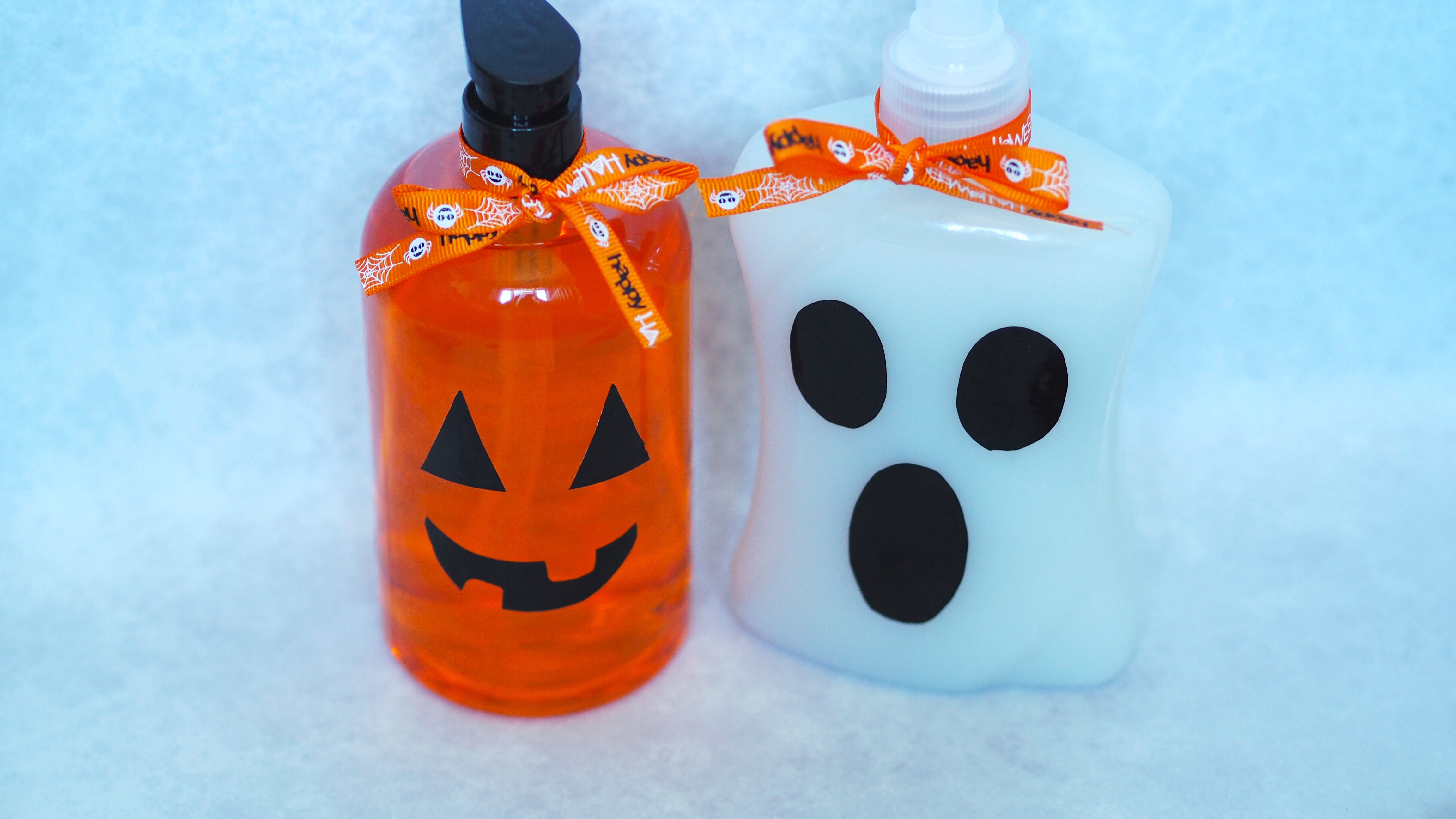DIY Halloween Soap Dispensers | Halloween Soap Dispenser an easy #halloween #craft to decorate this season