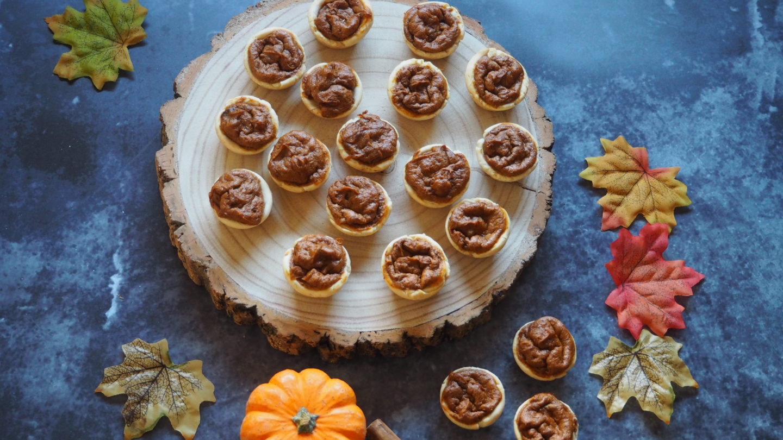 Mini Pumpkin Pies | Gluten and Dairy Free Mini Pumpkin Pies