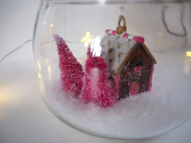 Christmas in a Jar, Christmas DIY Crafts easy to make Christmas decoration #Christmas #crafts #table #decoration #decorating