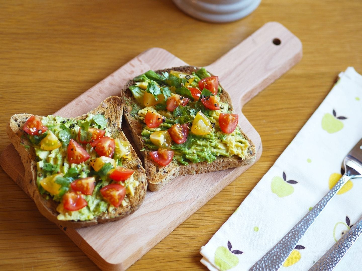 First Trimester | What I Eat In A Day.  Breakfast - Avocado & toast