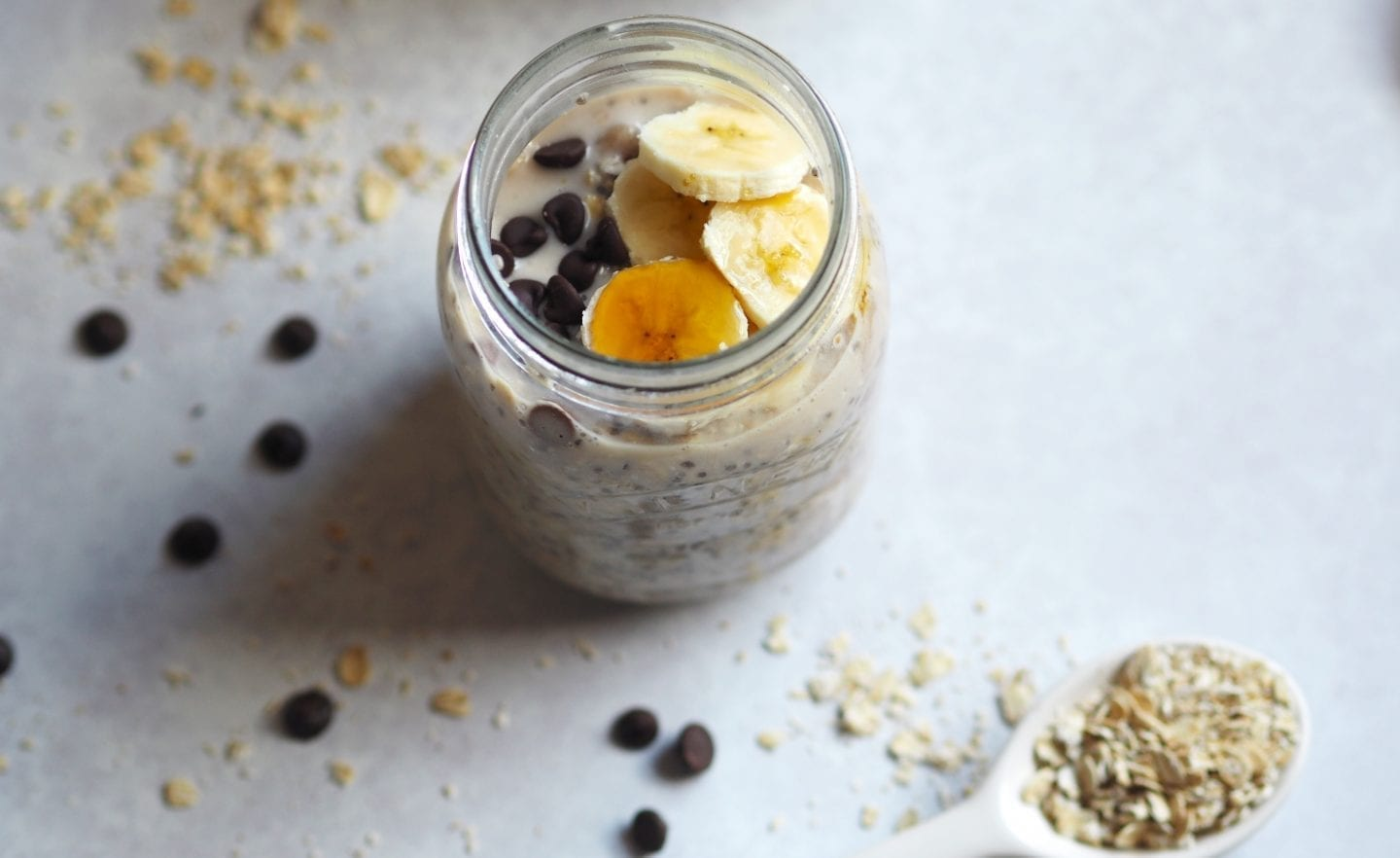 Overnight Oats Recipe - This #banana & #chocolate #chip #overnight #oats #recipe is the perfect grab and go #breakfast. Plus it is #gluten & #dairy #free. #vegan too