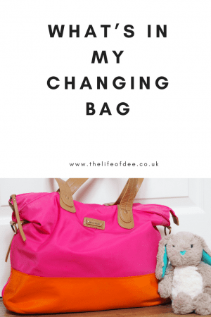 What's In My Changing Bag, What things do you need in a changing bag, what to put in a baby's changing bag