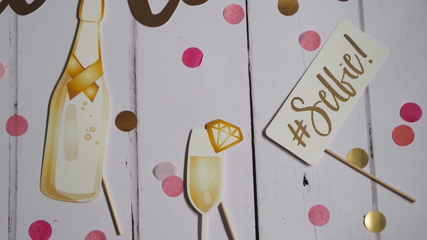 10 Tips For Organising A Hen Do   Planning a hen do but not sure where to start? Here are my 10 top tips for organising a hen do!