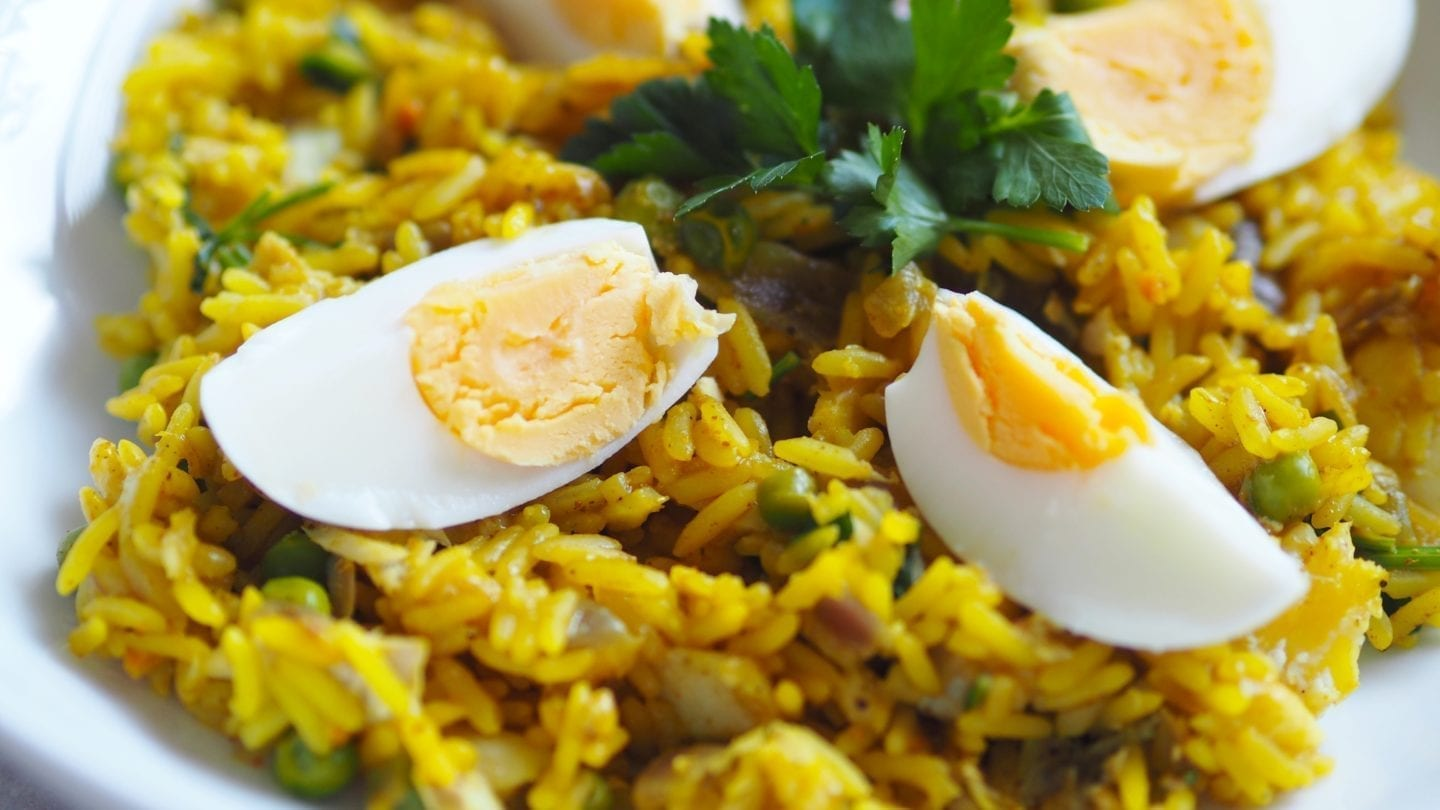 Syn Free Kedgeree | #kedgeree is a spicy rice dish perfect for #breakfast, #lunch or even a weekend #brunch. Also #syn #free on #slimming #world