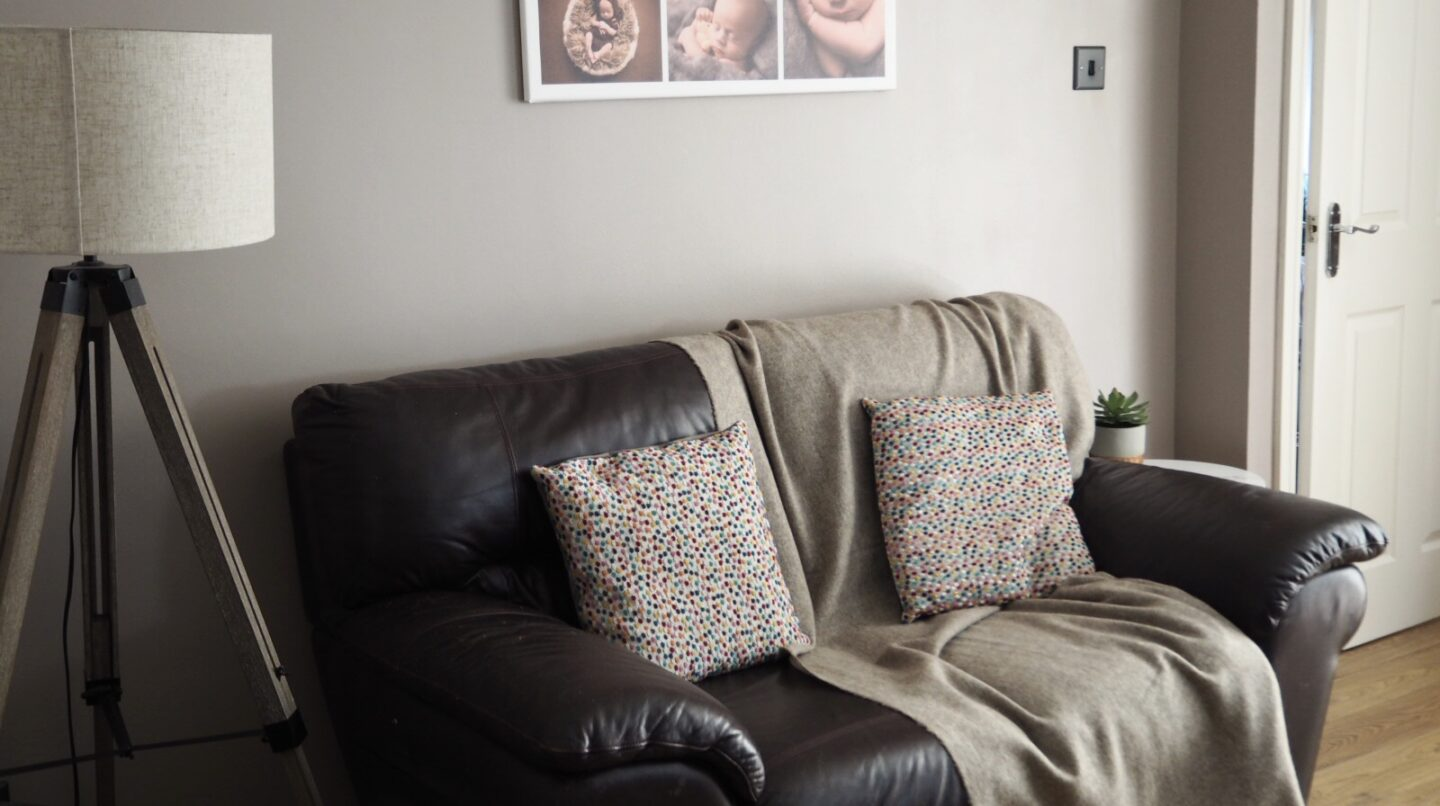 How To Update Your Living Room On A Budget | Revamp your living room cheaply